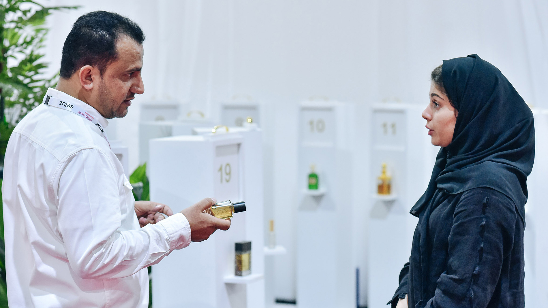 Beautyworld Saudi Arabia - Exhibitor interaction at Fragrance Station