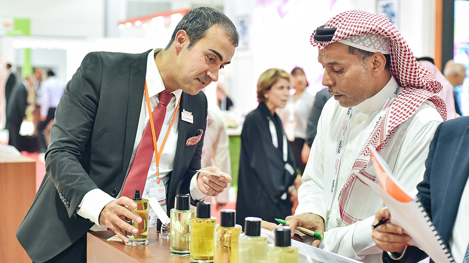 Beautyworld Saudi Arabia - Visitor and exhibitor interaction